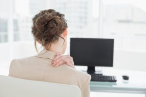 Daily Tips to Reduce Neck Pain at the Office